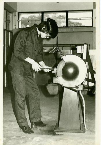 1976p13