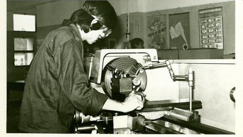 1976p4